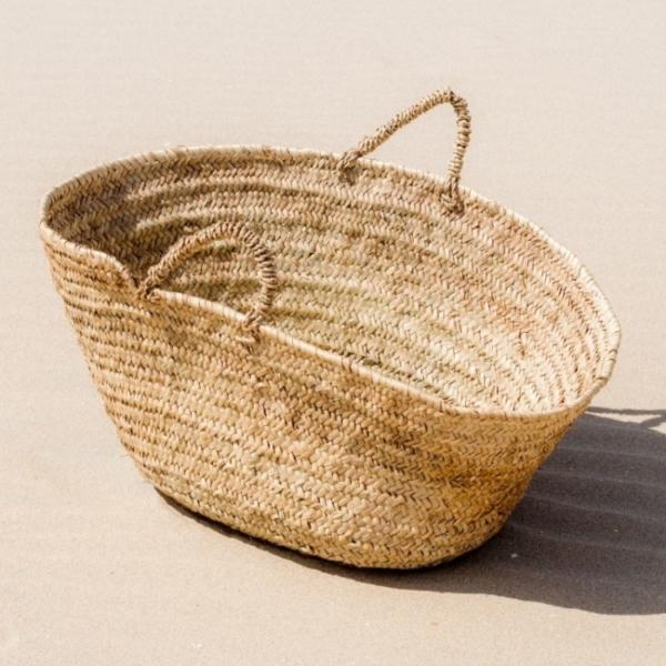 Mand van palmblad met hengsels